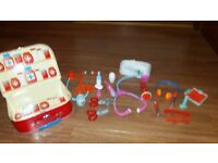 EARLY LEARNING CENTRE PRETEND PLAY - DOCTORS CASE AND MEDICAL ITEMS
