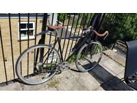 Fixie/singlespeed bicycle with flip flop hub and bullhorn handlebars (53cm)