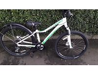 GIANT REVEL W MOUNTAIN BIKE IN PRISTINE CONDITION