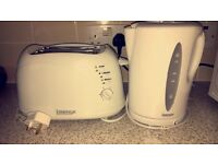 TOASTER & KETTLE FOR SALE