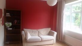 1 Bedroom Spacious Furnished Apartment - (£575 pcm - from 27th July 2017)