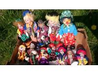 12 collectable clown figures