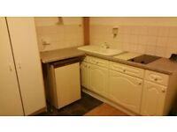 FLAT to go Today ! at £169pw self conitained Own kitchen -Sh,wc , £169pw excl .