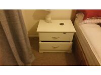 White befroom furniture set