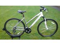 AS NEW RIDDEN ONCE 2016 LADIES CARRERA CROSSFIRE 1 HYBRID BIKE * FULLY SET UP *