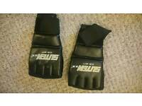 Boxing mitts 2 pairs