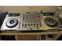 CDJ 850 & DJM600 in Excellent condition + Total Impact Flight Cases