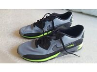 Mens Nike Air Max trainers/ running shoes. Size 10.