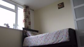 Great condition double room in a house to rent,near London and Guildford
