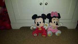 Talking minnie and mickey mouse
