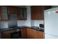 Wonderful 3 bedroom flat in Redbridge borough with parking facility in a residential area