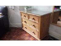 Chest of Drawers in solid wood