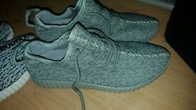 Adidas Yeezy Moonrock size 6