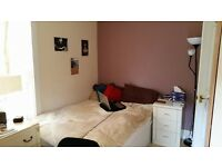 Furnished 1 bedroom flat/ Couple/ Single/ Student/ Professionals