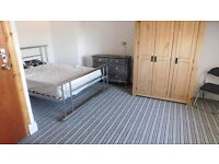 Available 2 double rooms in 5 Bed house share, Salford,M5
