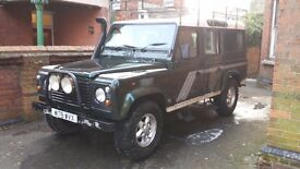 Land Rover Defender 110 County Station Wagon 300tdi