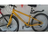 Cannondale 400 comfort dirt / jump bike 120