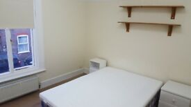 Spacious 2 bed house with extra bedroom in the loft and another bedroom/living room near town centre