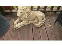 lion garden status heavy weight