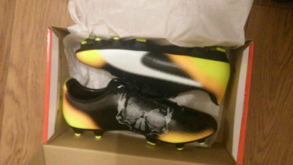 3a97dce6d9406a Puma evospeed 4.5 graphic fg football boots size 9 brand new in box ...