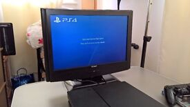 Playstation 4, 500GB, 1 Controller and Game!