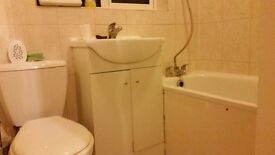 AMAZING DOUBLE ROOM IN WEST LONDON FOR 180/WEEK, COUPLES ARE WELCOME