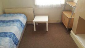 Room in Thornton Heath,CR7