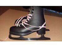 Black Jackson Glacier Ice Skates SIZE 2 unisex Size 2