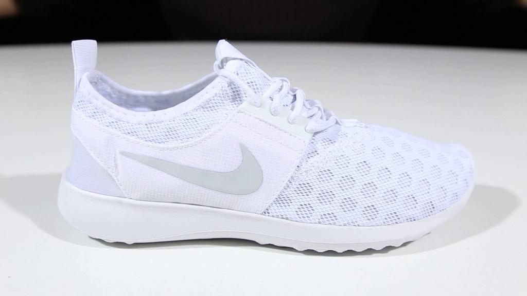 Woman's Nike trainers
