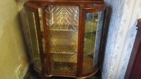 Vintage Antique China Cabinet in Good Condition