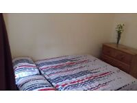 SINGLE ROOM IN A 2-BED FLAT. 1 MIN WALK TO A BUS STOP. EASY ACCESS TO UNDERGROUND, AWESOME AREA.