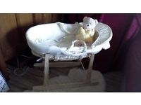 Moses basket with rocking stand and bedding