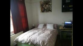 Large double room between Turnpike Lane and Wood Green tube station