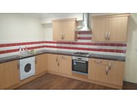 REDUCED NOW***Large 2 bed flat with bathrooms off old Bedford road £900 Pcm