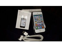 Apple 8GB 4th Generation iPod Touch white as a new £90