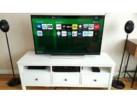 Large Sony Bravia Smart tv 48""