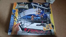 Wrestling ring ans figures
