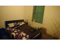 DOUBLE BEDROOM IN NICE LARGE HOUSE WELL LOCATED