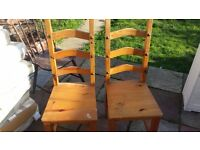 set of 2 dinning chairs good condition only £10.00