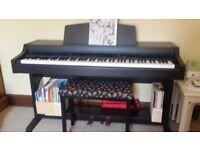 Yamaha Clavinova CLP-820s piano with free stool