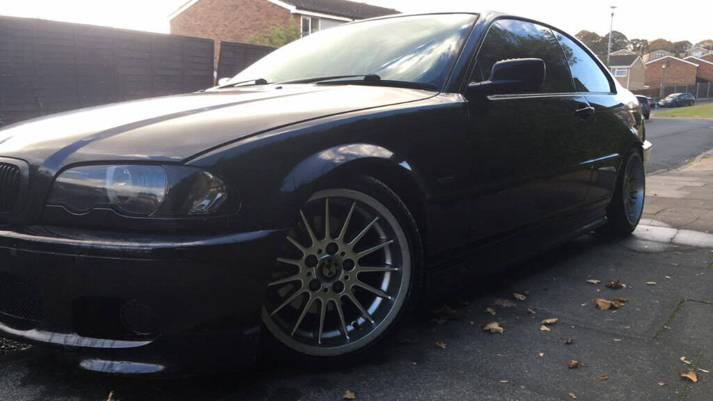 BLACK BMW MSPORT 325 CI