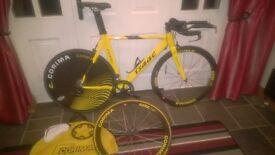 Isaac Efficiency carbon Time Trial Bike (size Medium), with carbon aero bars, Corima wheelset & disc