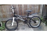 BOYS BIKE /BOYS BLACK BMX BIKE