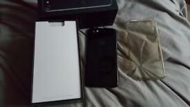 Apple iphone 7 256gb jet black month old like new