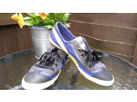 Puma women trainers shoes size 6,5 Perfect condition