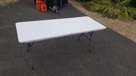 Foldable 6ft table