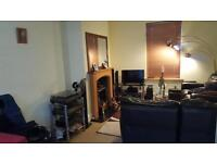 Double room, shared house in Kingswood