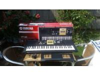 Yamaha YPT220 61-Key Portable Keyboard with Power Adapter excellent condition