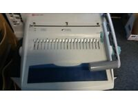 Binding machine - Rexel CB355