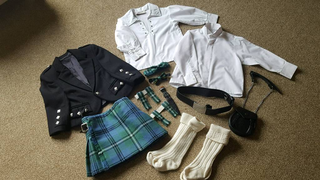 Boys kilt outfit £65 about 2-4 yrs